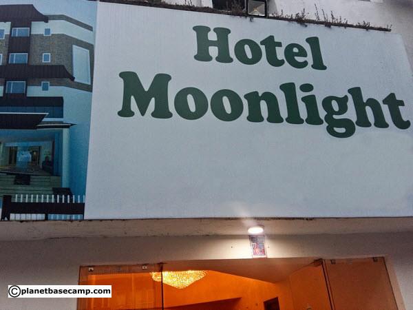 Hotel Moonlight Sign